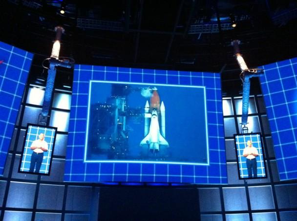 astronauta no monitor