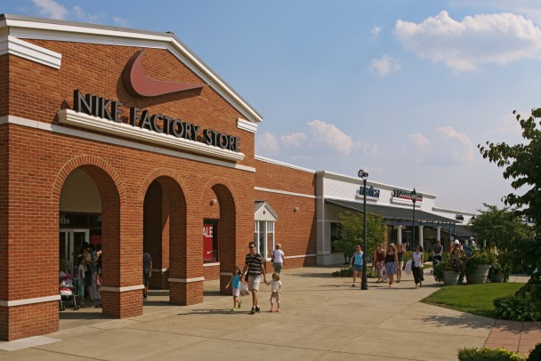 Leeburg Outlet