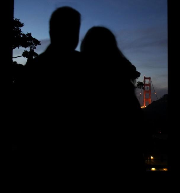 Assistindo o sol nascer com a Golden Gate no fundo