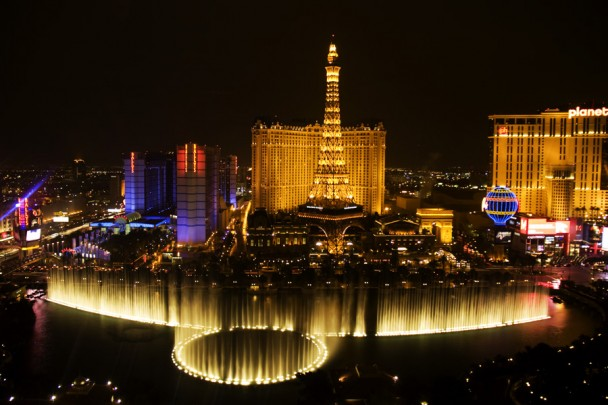 Bellagio_fountains_3