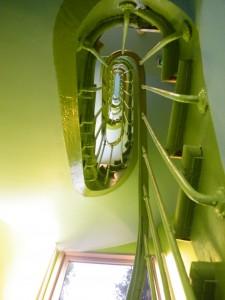 A escadaria verde limão de doer o olho