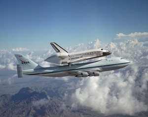 Space Shuttle Atachado