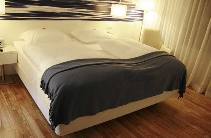 Hotel_Pestana_Berlin_cama
