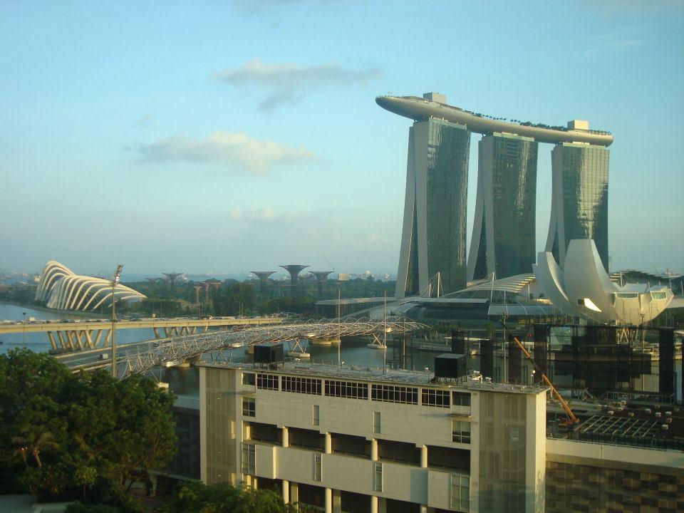 Vista do quarto - olha o Marina Bay Sands lá!