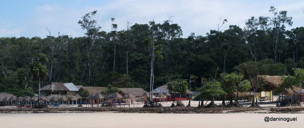 Praia de Barra Velha - o rio