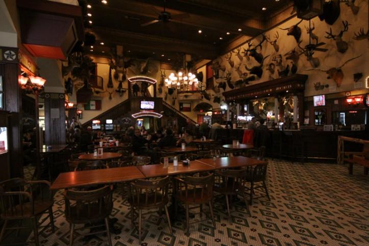O Buckhorn Saloon, que está em funcionamento desde 1881