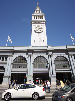 O Ferry Building, onde fica o Farmer's Market de San Francisco