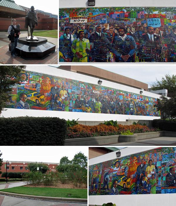 A estátua de Gandhi, o mural e o jardim de rosas no Centro de Visitantes do distrito histórico Martin Luther King Jr em Atlanta