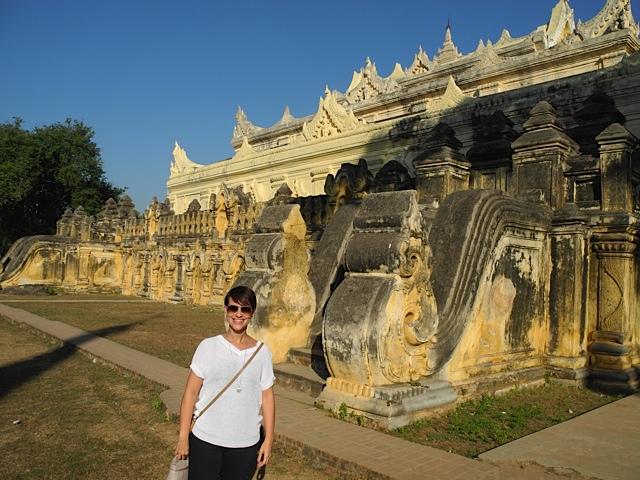 Na antiga capital de Ava. Monasterio real construido em 1822