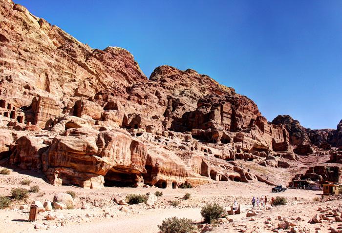 Cavernas e tumulos