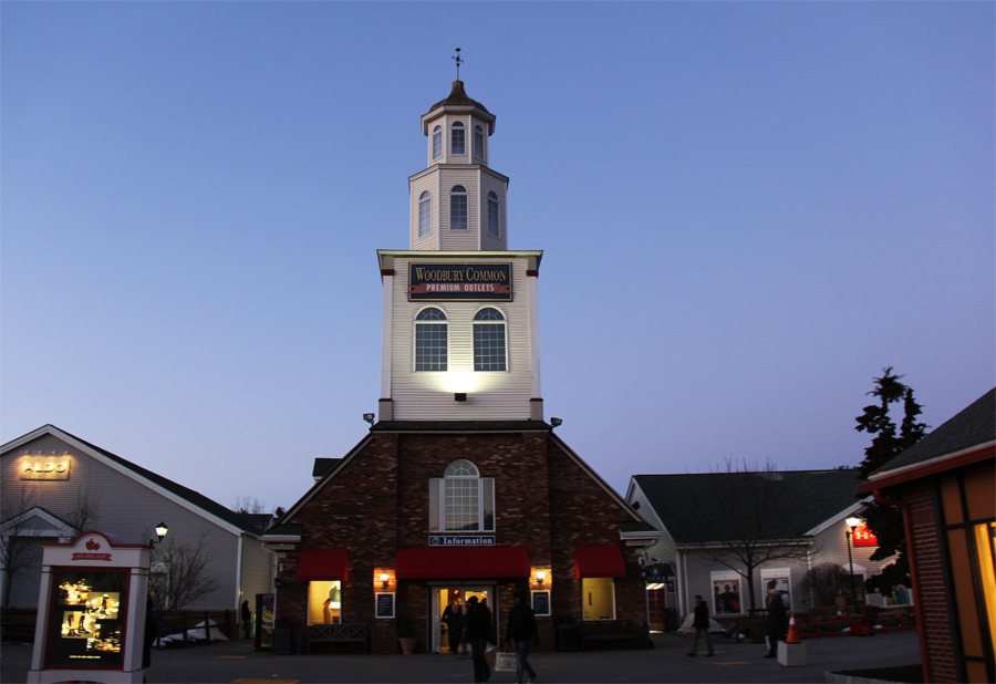 Outlets em New York: Woodbury Commom Premium Outlet -