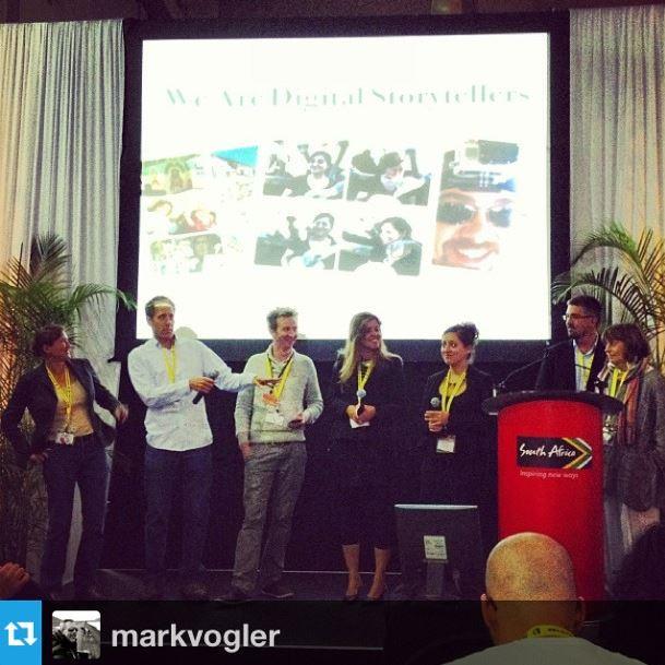 No palco participando de painel com os outros blogueiros - Foto: Mark Vogler
