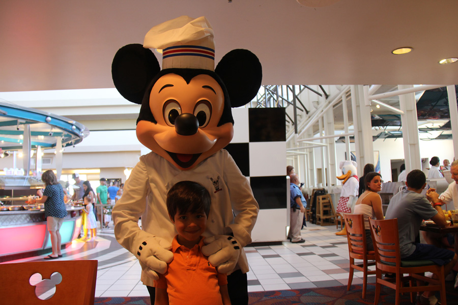 Com o Mickey