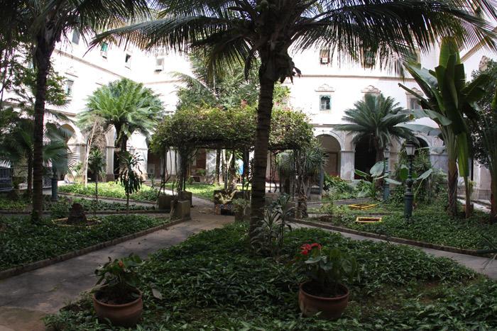 O jardim interno do Convento de Santo Antônio
