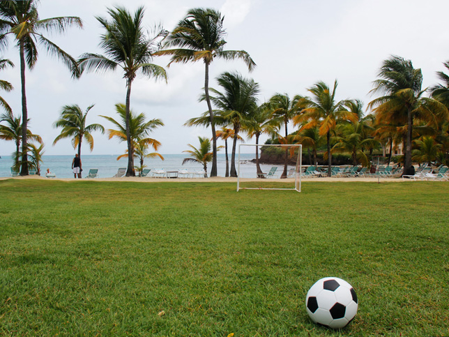 O campo de futebol em frente a Mermaid Beach