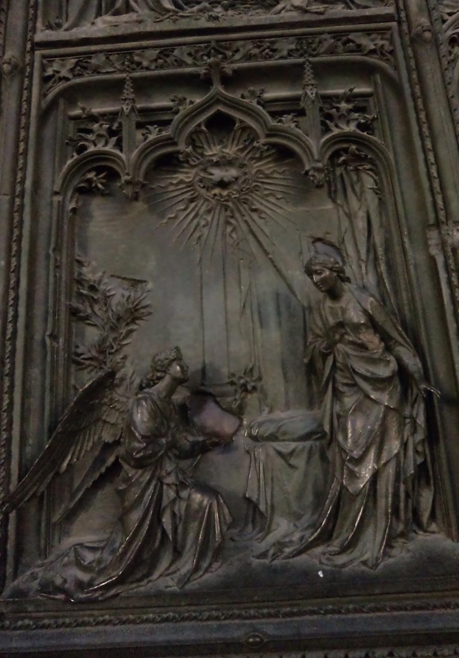Detalhe da porta da catedral