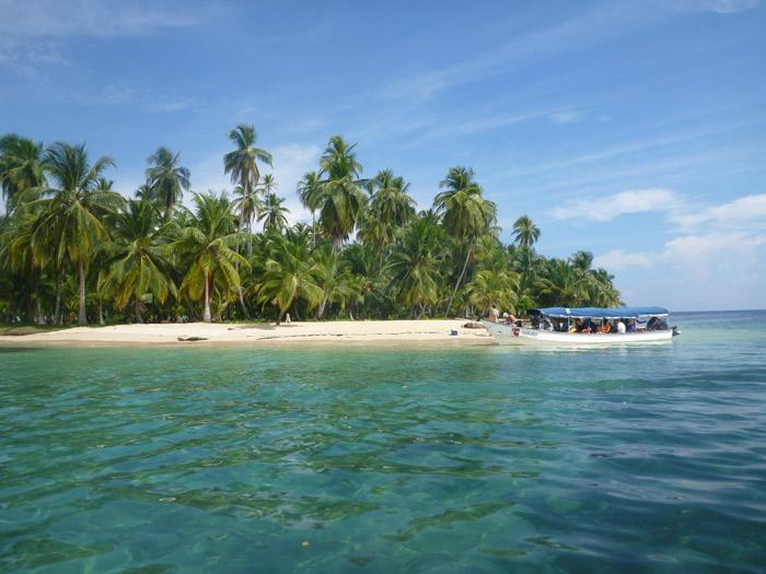 Chegando a Ilha Arridup em San Blás