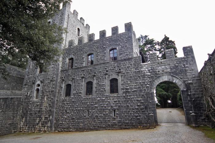 Entrando no Castelo di Brolio