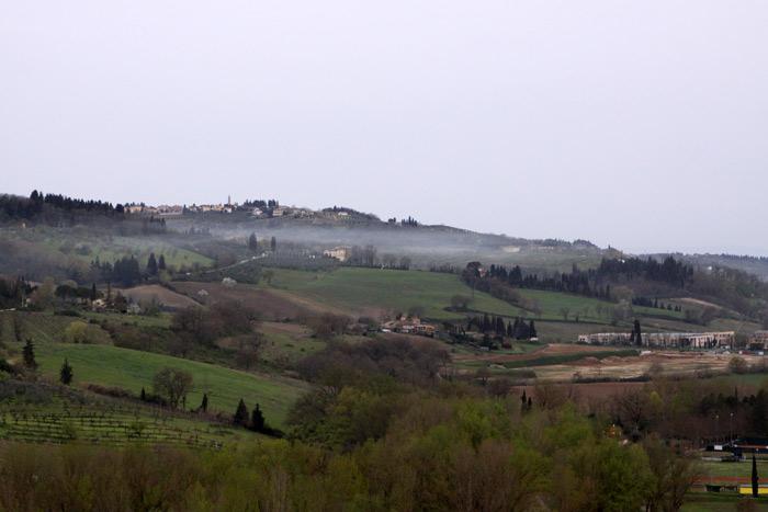 Dia de fog na Toscana