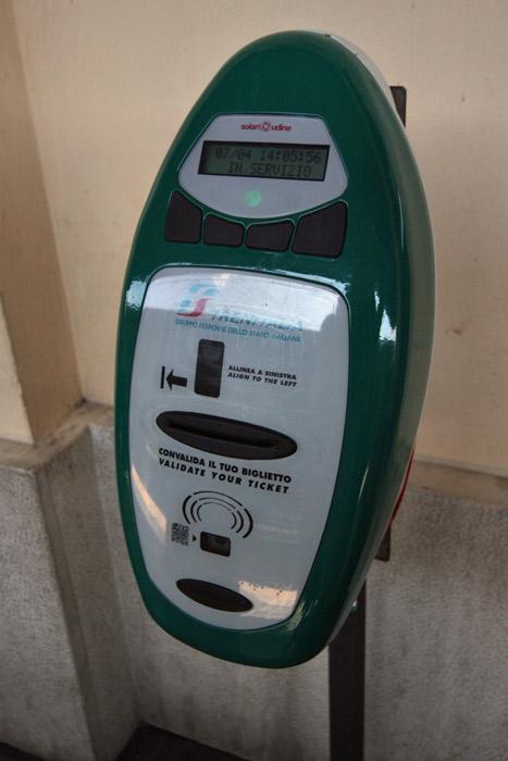 Essa é a máquina de validar a passagem, essencial!