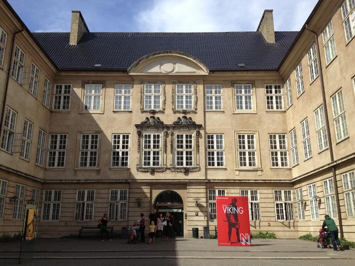 Entrada do Nationalmuseet em Copenhague