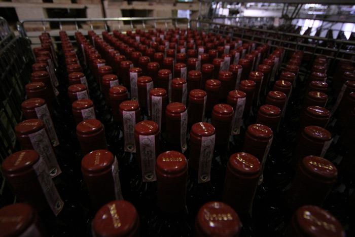 Centenas de garrafas de Brolio Chianti Classico prontinhas