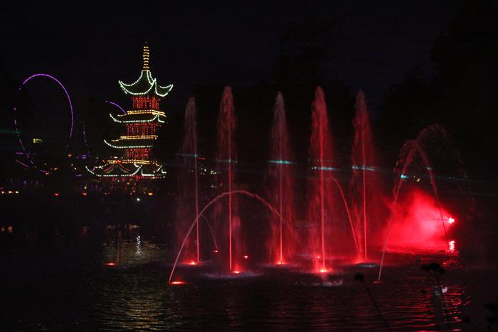 Show de luzes e água no Tivoli