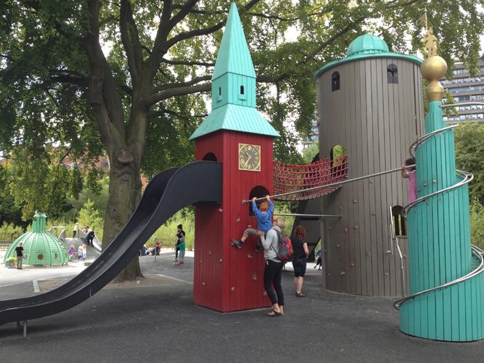 Towers Playground no Faelledparken