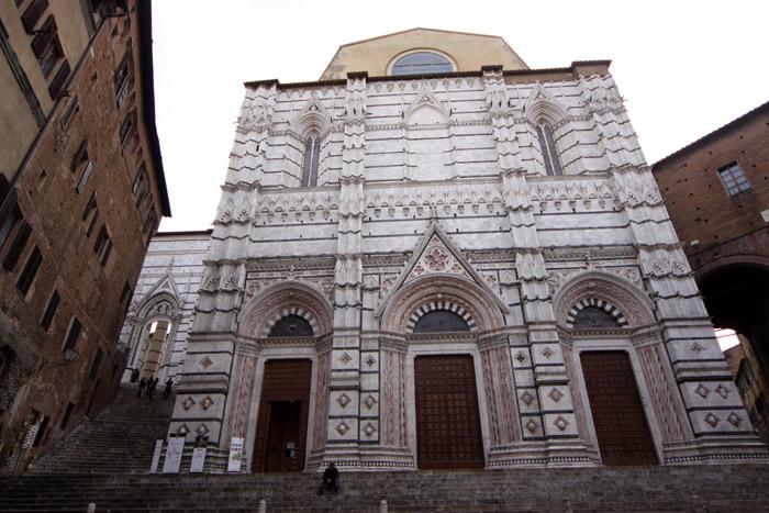 Os fundos da Catedral