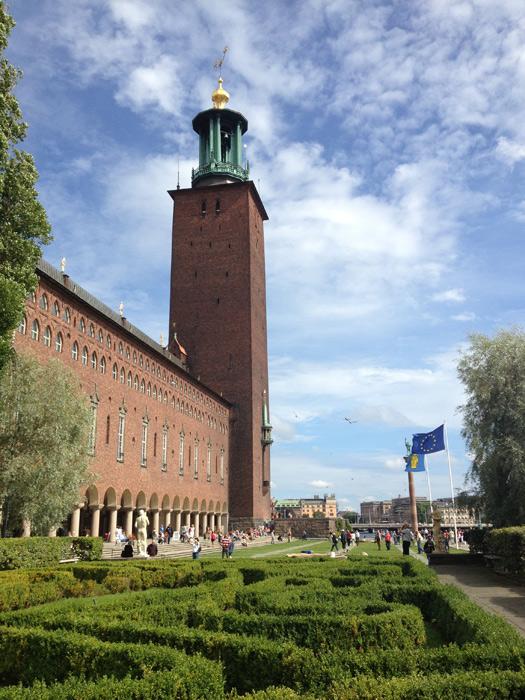 O prédio e a torre do Stadhuis - a Prefeitura de Estocolmo