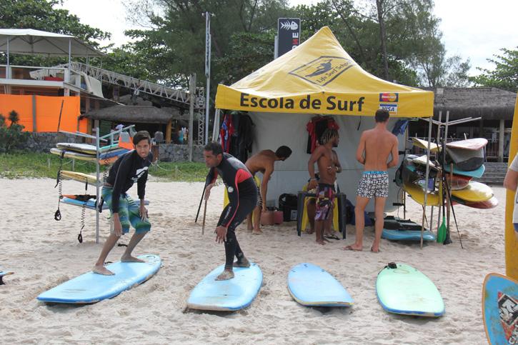Nick na aula de surf