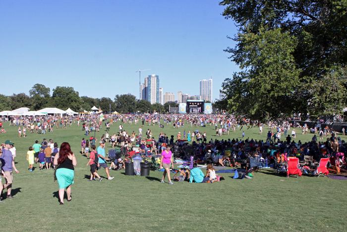 Dia perfeito em Austin, o palco lá atrás é o Samsung Galaxy