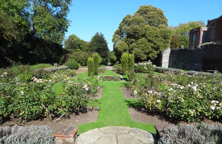 Eltham_Palace_garden