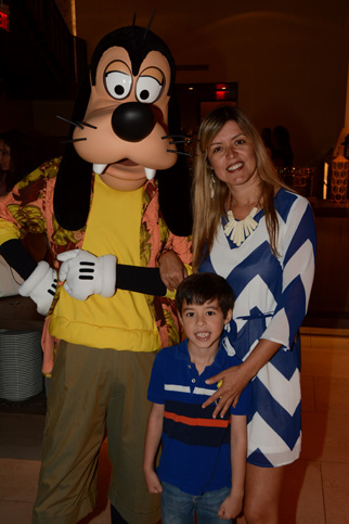 PhotoPass_Visiting_Good_Morning_Breakfast_With_Goofy_And_His_Pals_7186292301