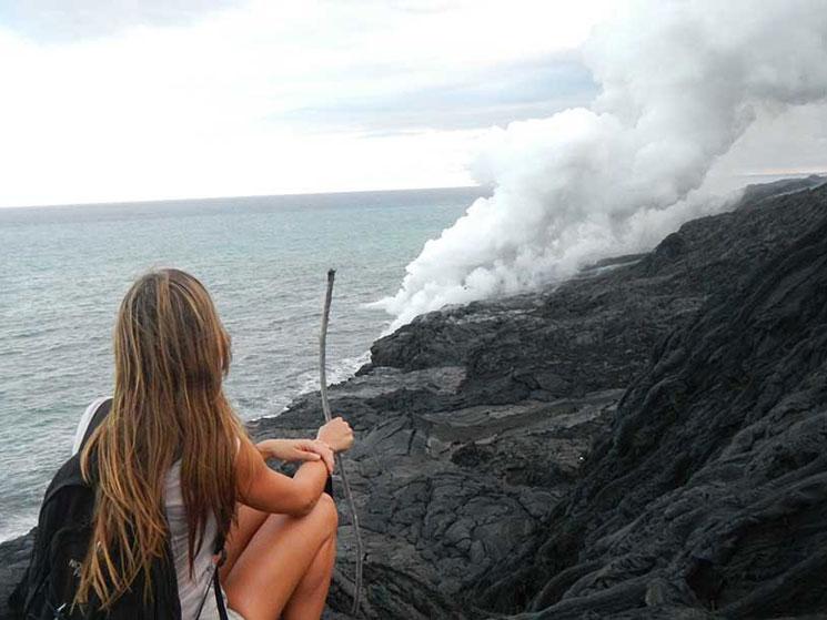olhando-a-erupção-vulcão-kilauea-havai