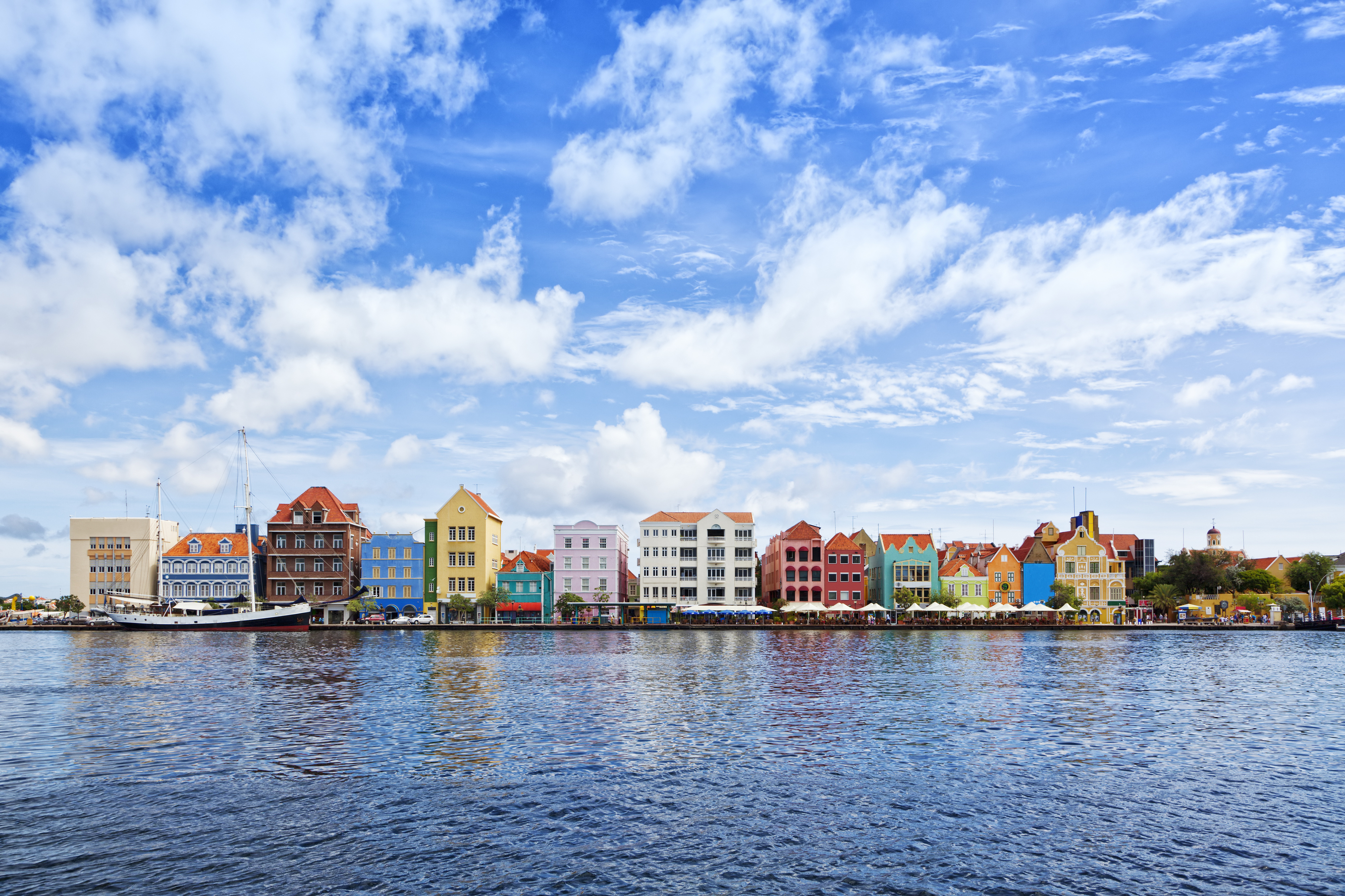 Historic houses with colorful facades at waterfront of Willemstad, Cura?ao