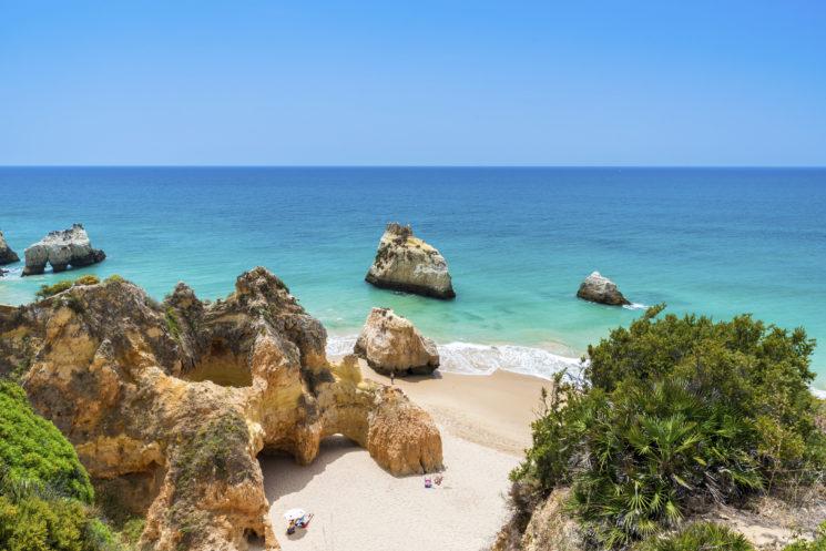 Praia tres irmaos - Beautiful coast with beaches in Algarve - Portugal