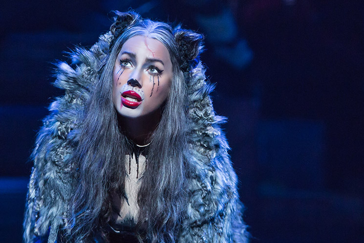 Leona2_Lewis_as_Grizabella_in_CATS_on_Broadway_--_Photo_by_Matthew_Murphy