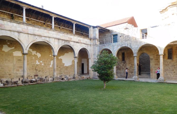 mosteiro-salzedas-5