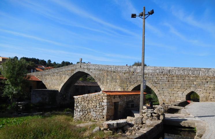 ponte-e-torre-de-ucanha-1