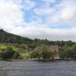 Passeio de barco pelo Lago Ness – procurando Nessie na Escócia