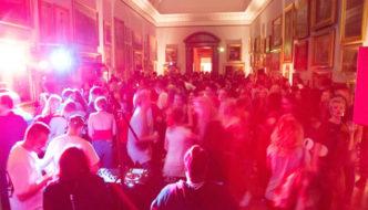 Museus a noite em Londres: cultura e baladinha!