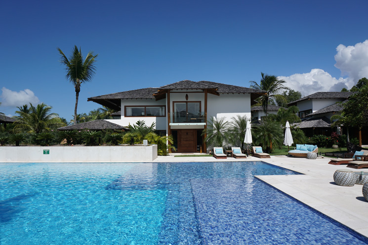 Campo Bahia visto da piscina