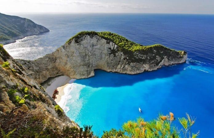 Navagio Beach em Zakynthos na Grécia Reabre