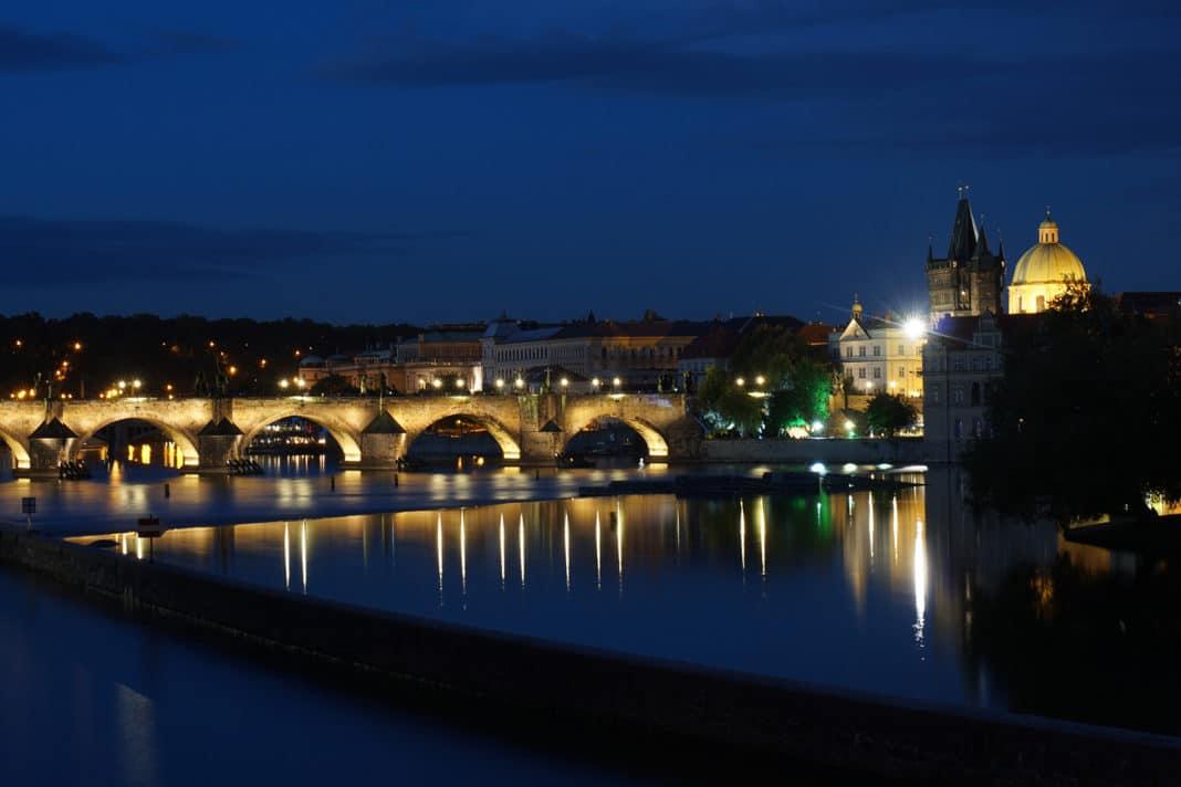 Praga a noite